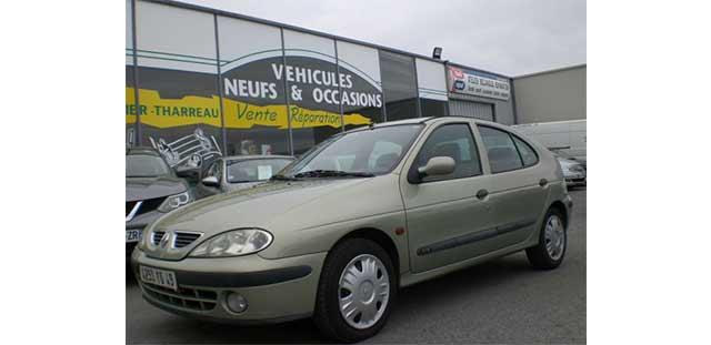 Garage Jallier Tharreau Garage Automobile Cholet Location Vehicule 9 Places MEGANE 1.9 DTI 100CV RXE 289